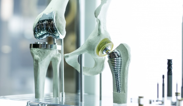 Analysis of wear of hip prosthesis equipment